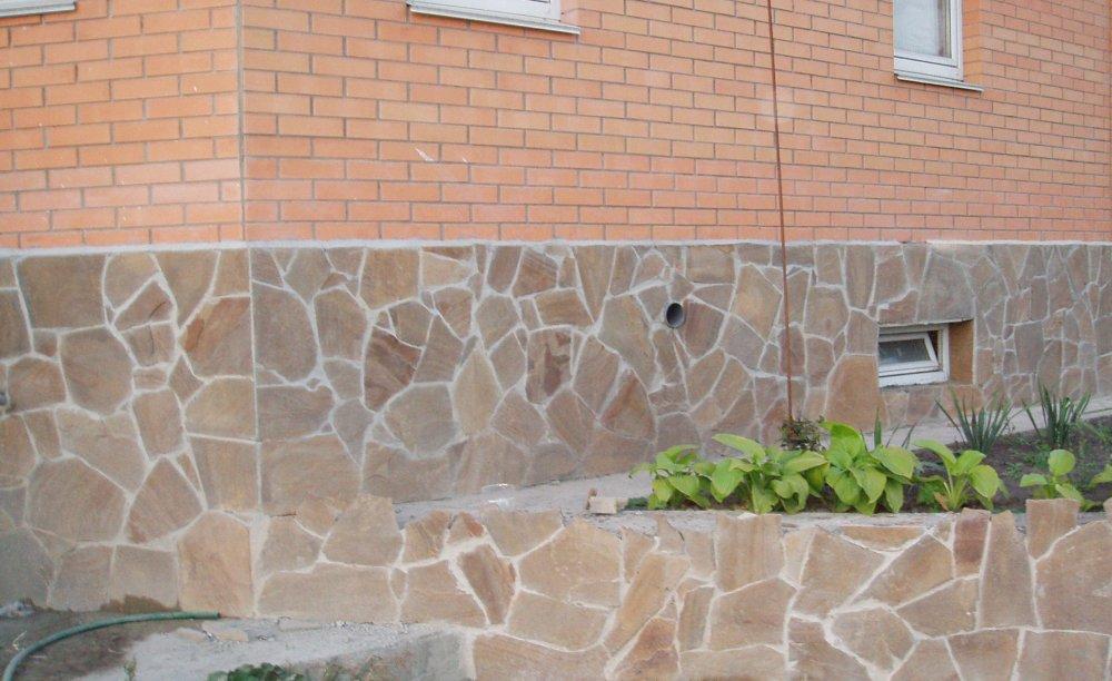 Природный камень цоколь