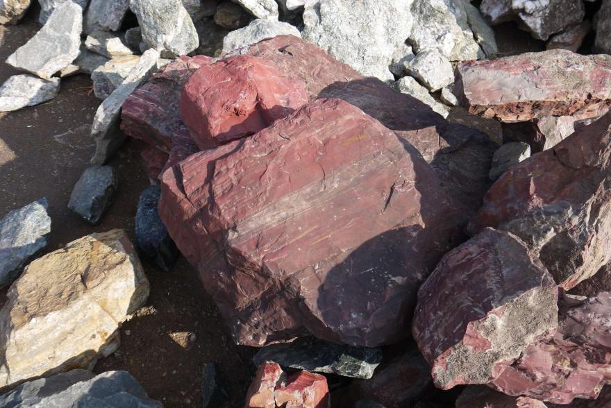 Ландшафтный камень - Яшма окварцованная - 13
